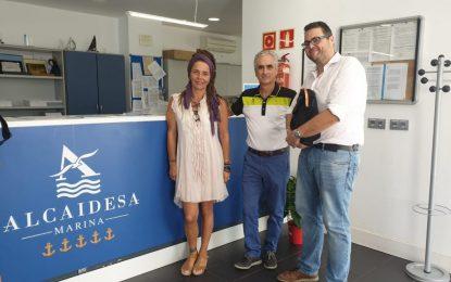 Turismo y Alcaidesa Marina ultiman el proyecto de celebrar un mercadillo artesanal semanal en el puerto deportivo