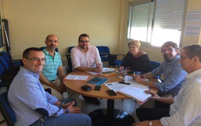 El Ayuntamiento y el CADE respaldan los proyectos de crecimiento de La Línea Vertical