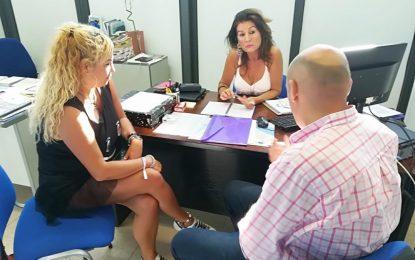 Atanet propone a Alcaidesa y Apymel la instalación de un mercadillo artesanal en el puerto deportivo