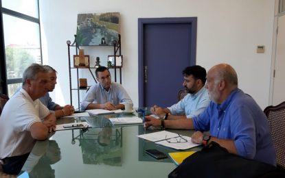 El alcalde celebra la primera reunión municipal para decidir el destino de los 670.000 euros  que la Diputación de Cádiz  ha adjudicado a La Línea