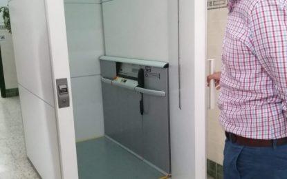 Inaugurado un nuevo elevador en el colegio Buenos Aires que llevaba sin funcionar desde hace más de diez años