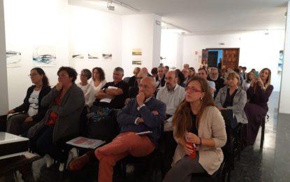"""Destacada participación en las ponencias de las Jornadas sobre el Medio Marino y Patrimonio Pesquero """"Acorrucarte"""""""