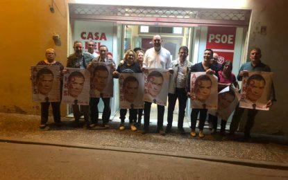 El PSOE de La Línea, con Gemma Araujo a la cabeza, comenzó anoche la campaña con la ilusión de ver a la linense como diputada