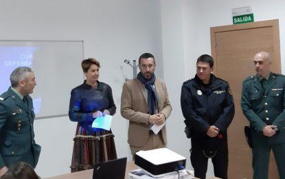 Igualdad inicia en el Centro de Servicios Sociales  de Poniente un taller de defensa personal