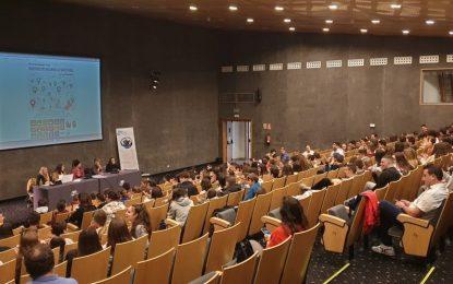 """Alumnos de los institutos Virgen de la Esperanza y Tolosa han participado hoy en las jornadas sobre los """"Objetivos de Desarrollo Sostenible"""""""