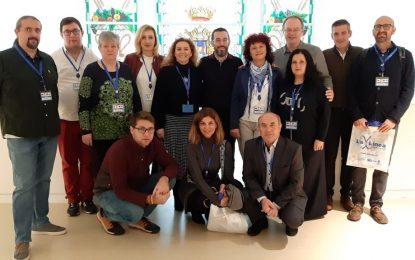 El alcalde recibe a los representantes de tres colegios extranjeros con los que el CEIP Inmaculada desarrolla el programa de intercambio Erasmus+