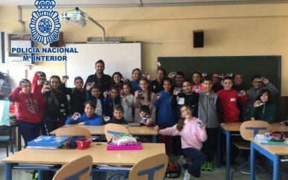 La Policía Nacional capacita como ciberexpert@s a más de 100 alumnos de tres centros educativos de La Línea de la Concepción