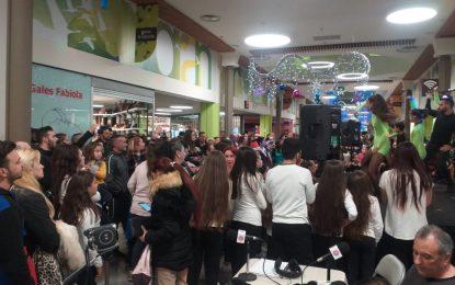 Exito de Cadena Joven en un evento benéfico para Solidarios y que contó con la participación estelar de Salmalandia, en Carrefour