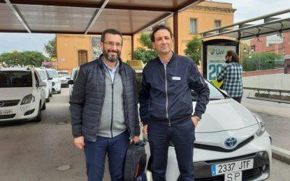 El alcalde anima a utilizar los servicios de Taxis durante las fiestas para mejorar la movilidad urbana