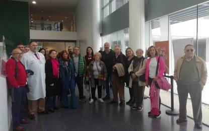 El Hospital de La Línea acoge una exposición para concienciar sobre el cáncer de mama metastásico