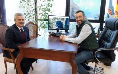 El coordinador de la AGE en la comarca realiza su primera visita institucional al alcalde