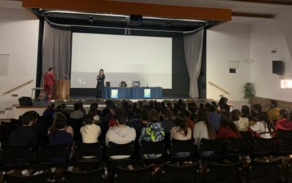 """Cerca de 2.000 alumnos participan en los programas de la Oferta Educativa """"Rema y Mueve tu Cuerpo"""" y """"El maravilloso mundo del ajedrez"""""""