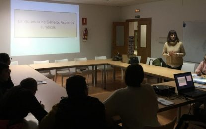 Igualdad ofreció en el Centro Contigo  un taller  a jóvenes sobre  prevención de violencia de género