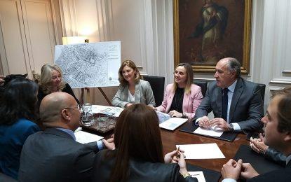 Marifrán Carazo garantiza el impulso de la Junta a la rehabilitación integral de La Piñera de Algeciras
