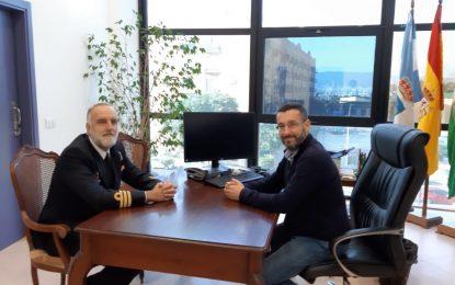 El alcalde recibe al comandante naval de Algeciras