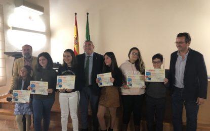 La Consejería de Igualdad premia la defensa de valores solidarios a través de la escritura de seis estudiantes de la provincia de Cádiz , entre ellos el Pablo Picasso de La Línea