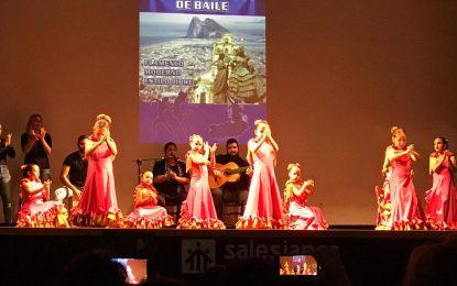 Lleno a 'reventar' en la sesión de domingo del 'Ciudad de La Línea' de baile en el Colegio Salesianos