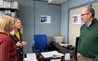 Ana Mestre y Eva Pajares visitan la oficina de información sobre el Brexit habilitada en la Subdelegación