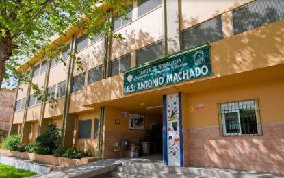 Educación y Parques y Jardines colaboran contra el absentismo en el IES Antonio Machado