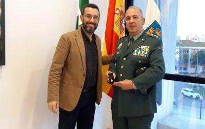 El alcalde destaca la labor de la Guardia Civil contra el narcotráfico  en la despedida  del Coronel Jefe de la Comandancia  de Algeciras