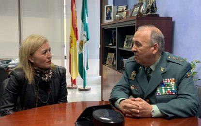 Eva Pajares alaba la gestión del coronel Núñez al frente de la Guardia Civil en la comarca