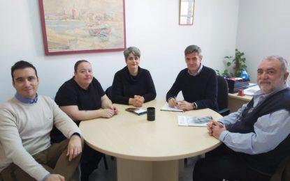 Educación aborda proyectos de colaboración con el colegio Juan Pablo II