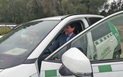 La Junta entrega siete vehículos nuevos a agentes de Medio Ambiente de la provincia