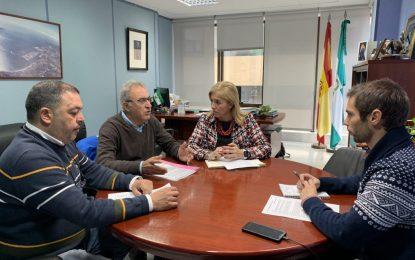 La subdelegada atiende las peticiones de los empresarios de Bolonia
