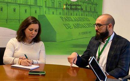 Angela Mulas, de VOX, recibe en el Parlamento de Andalucía al linense Miguel Ángel Hormigo