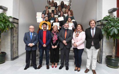 Un total de 30 personas desempleadas de Algeciras se forman en dos talleres de empleo financiados por la Junta con 461.500 euros
