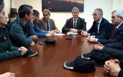 El alcalde ha acompañado al Delegado del Gobierno en Andalucía durante su visita al puesto fronterizo con Gibraltar
