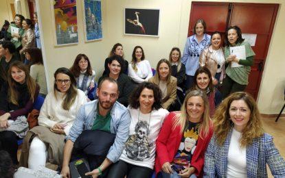 Personal técnico de los Servicios Sociales reciben en Cádiz nuevas directrices sobre el programa de intervención en zonas desfavorecidas