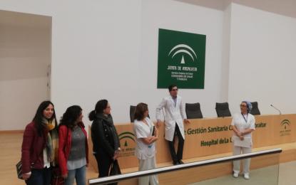Estudiantes de Farmacia y Parafarmacia del Colegio San José Virgen de La Palma de Algeciras visitan el Hospital de La Línea