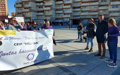 Sebastián Hidalgo y Zuleica Molina participan en la Marcha por la Igualdad del CEIP Velada con motivo del Día de la Mujer