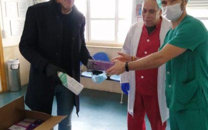 Centros educativos entregan al Ayuntamiento productos de protección personal e higiene que han sido repartidos por centros de salud y hemodiálisis