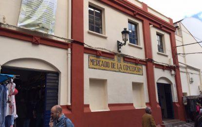 Policía Local sanciona a usuarios del Mercado de La Concepción por no llevar la mascarilla obligatoria