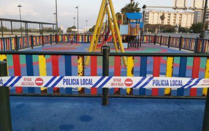 El Ayuntamiento de La Línea de la Concepción ha precintado los parques infantiles, los gerontoparques y los parques de calistenia de toda la ciudad