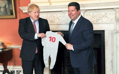 El Ministro Principal de Gibraltar felicita al Primer Ministro británico