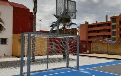Mantenimiento Urbano acondiciona las instalaciones deportivas de la plaza Chacón Vichino para el final de la pandemia