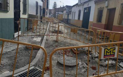 Las lluvias provocan cierto retraso para el asfaltado de Siete Revueltas y Gabriel Miró, que se ejecutará la semana próxima