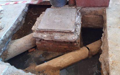 Los vecinos del bloque siete de Bellavista llevan cuatro meses soportando aguas fecales