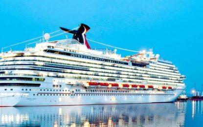 El crucero 'Carnival Magic' realiza una escala técnica en Gibraltar