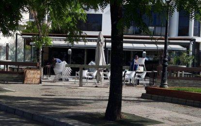 Mercados y Comercio pide a la hostelería retrasar el montaje de terrazas el lunes ante el inicio de un tratamiento de desinfectación y desratización