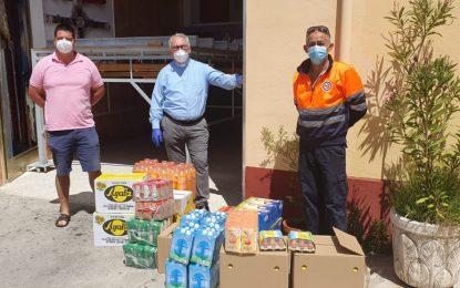 Salmalandia dona alimentos a Cáritas de la Iglesia de San Pedro en La Línea