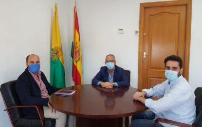 El presidente de la Mancomunidad se reúne con el alcalde de Los Barrios para abordar la nueva normalidad