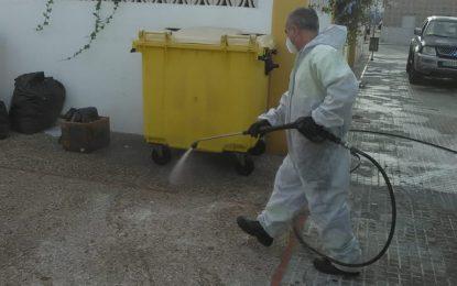 Los trabajos de desinfección se han centrado hoy en edificios especialmente vulnerables y paradas de taxis