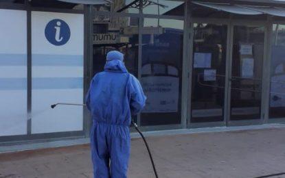Los trabajos de desinfección se han desarrollado hoy por Sobrevela y centros de salud