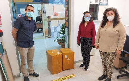 El alcalde agradece la nueva donación por parte de una empresaria china de 5.000 mascarillas