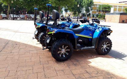 El alcalde destaca la especial implicación del equipo de gobierno con la Policía Local en la presentación de dos quads para el dispositivo de Playas
