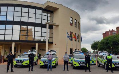 El alcalde presenta cuatro nuevos vehículos 4×4 para la Policía Local  rotulados según la normativa europea